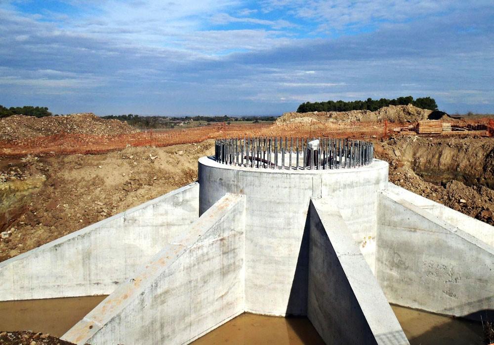 Cimentaciones singulares para aerogenerador: cimentación por muros